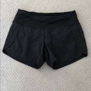 Lululemon sz 2 shorts very cute
